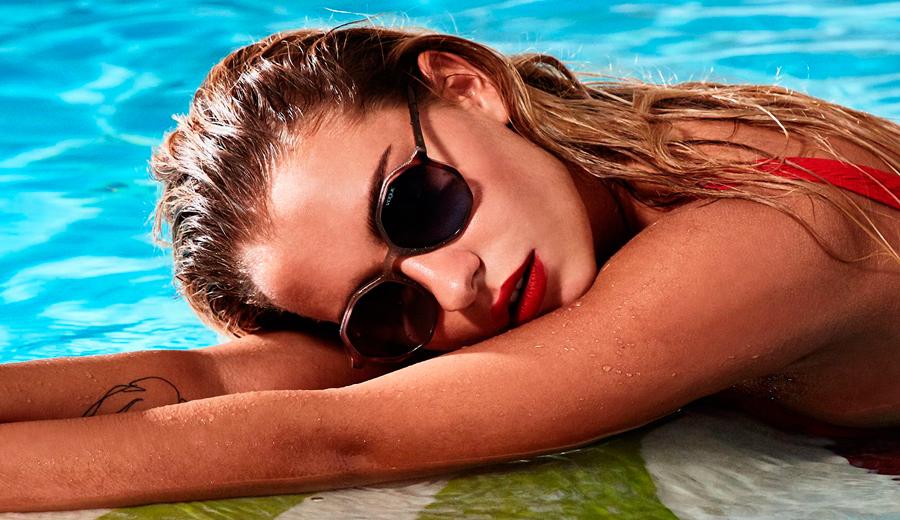 gafas-de-sol-vogue-mujer-piscina
